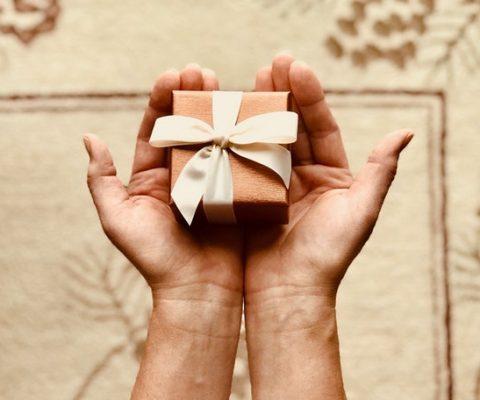 Топ идеи за подарък за мама