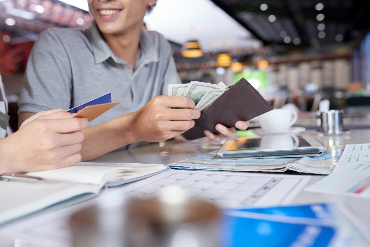 Да започнем годината на сигурно с бързи пари от CashCredit