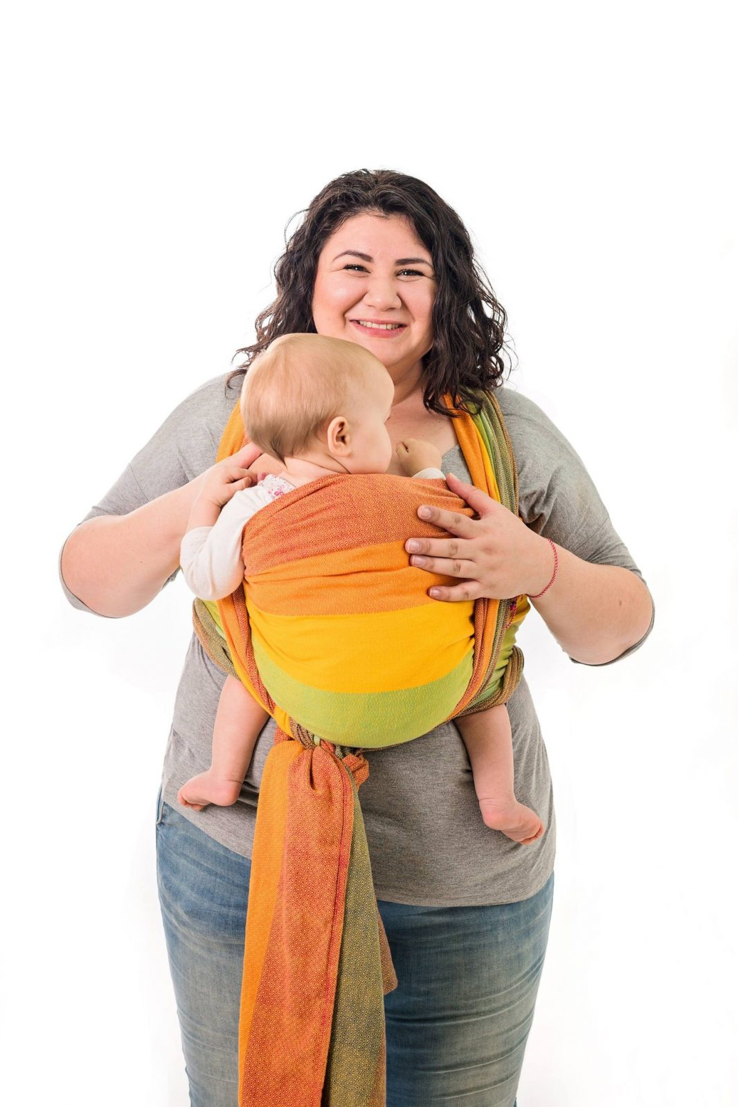 Защо да нося бебето в слинг?
